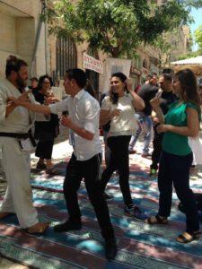 All passersby welcome to learn ju jiistu